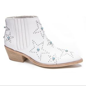 Chinese Laundry White Fayme Leather Star Boots